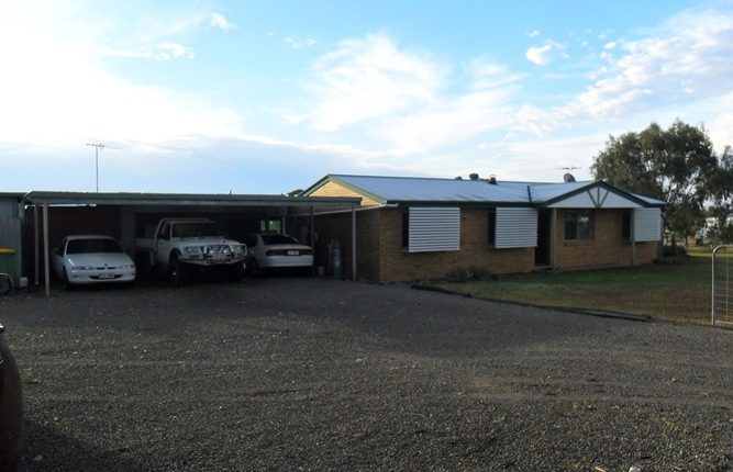 2 1/2 Acres – 9 Car Accom + Boat/Van Storage